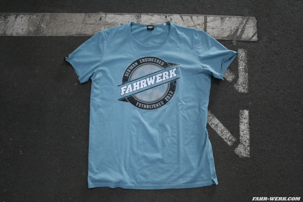 FAHRWERK_T-Shirt_LIO_german engineered_blau_1